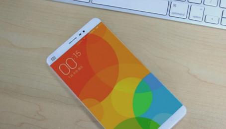 Rò rỉ ảnh thực tế Xiaomi Mi 5: khung kim loại, flash kép, camera kép