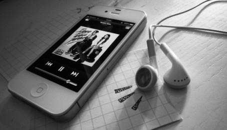 Hướng dẫn chi tiết cách tải nhạc từ máy tính vào iPhone 4