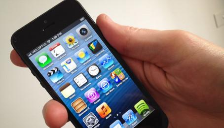 Điên thoại iPhone 5 cũ pin không tháo rời được, khi treo máy thì phải làm sao?