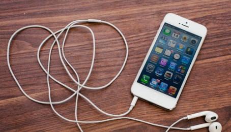Hướng dẫn chuyển danh bạ từ thiết bị Android sang iPhone 5 cũ