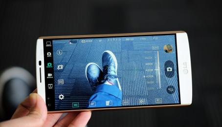 Smartphone của bạn có làm được như LG V10?