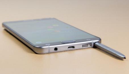 Cách lấy bút SPen bị kẹt trong Samsung Galaxy Note 5 cũ
