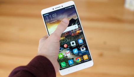 Xiaomi Mi Max 2 đã trình làng màn pin 5.300 mAh, 6.44 inch, sạc nhanh Quick Charge 3.0, giá 5,6 triệu
