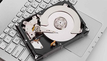 Kiểm tra tính trạng ổ cứng máy tính đơn giản với Crystaldiskinfo