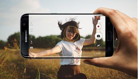 Chức năng nhận diện khuôn mặt khi chụp ảnh trên điện thoại