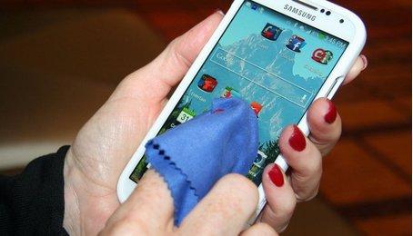 Kinh nghiệm vệ sinh điện thoại tại nhà, các bước làm sạch điện thoại của bạn