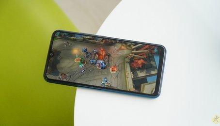 Điện thoại nào chơi game tốt giá rẻ?