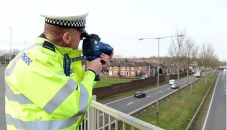 """Google Maps thêm tính năng """"phát hiện khu vực có cảnh sát bắn tốc độ"""""""