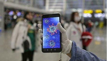 Vius chủng mới COVID-19 có khả năng lây qua màn hình smartphone