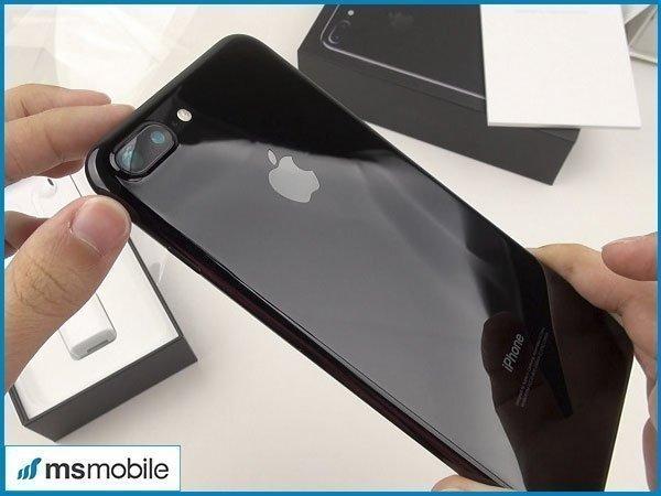iPhone 7 Plus Lock Nhật vẫn mang những đường nét thiết kế như phiên bản quốc