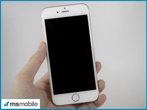 Đánh giá iPhone 6S cũ về màn hình.